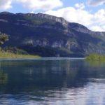 Lac du Bourget et montagne - CLBCK Rhôn'Ô Lac - rhonolac rhonolac.fr Chambéry Le Bourget canoë kayak Lac du Bourget navigation de nuit clair de lune Chanaz Conjux Canal de Savière Aix les Bains Aix Riviera Hautecombe Savoie